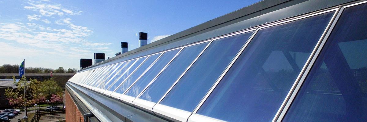 Lichtband Dachverglasung - Steildach-Fenstermodule in undendlicher Reihe