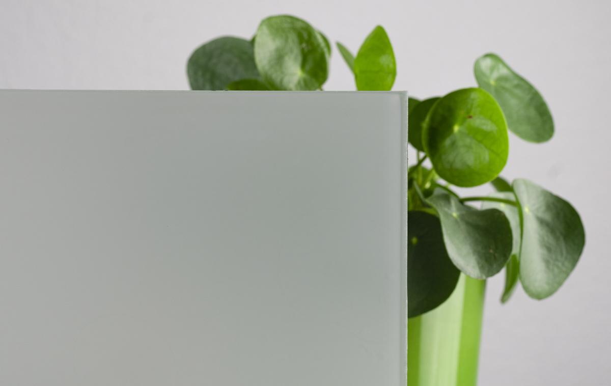 Glas mit Opallaminierung