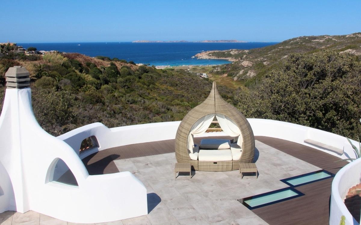 SkyVision WALK-ON - verbaut auf einer Dachterrasse eines Ferienhauses auf Sardinien