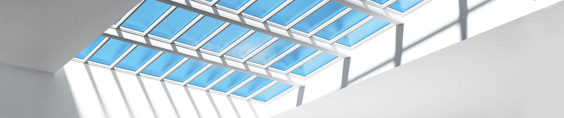 Stufen-Lichtband VELUX Commercial