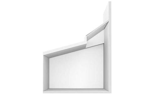 Wandmontage-Lichtband in einem Schrägdach mit Unterkonstruktion.