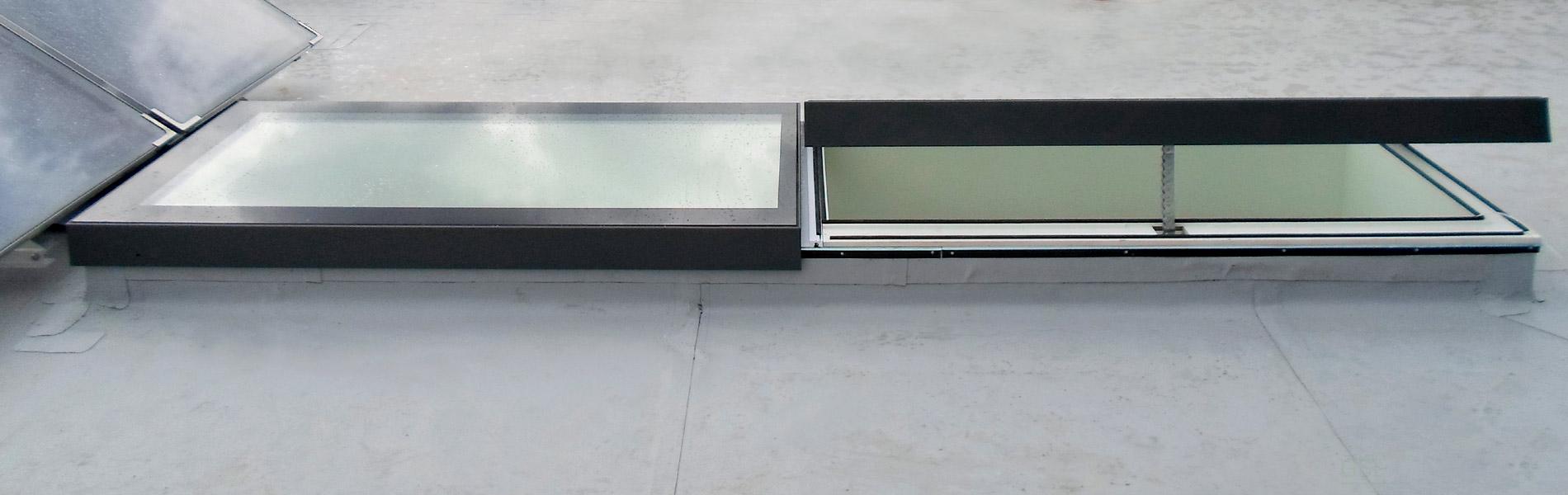 Design-Fenster LINEAR - Kombination aus festverglastem und zu öffnendem Oberlicht