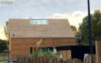 Überfirstverglasung bei einem Haus in Holzbauweise