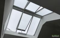 Innenansicht einer Firstverglasung mit sechs Fenstermodulen