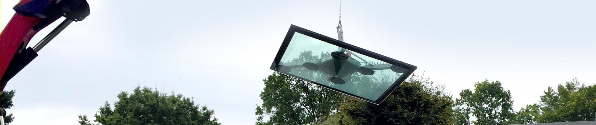 Montage einer begehbaren Terrassenverglasung.