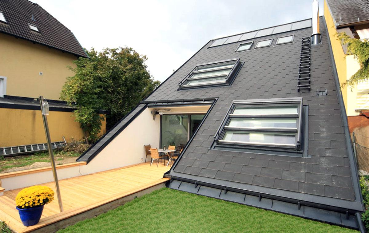 Zwei Dachschiebefenster DS mit je drei Fensterflügeln die ineinadner nach oben verschoben werden