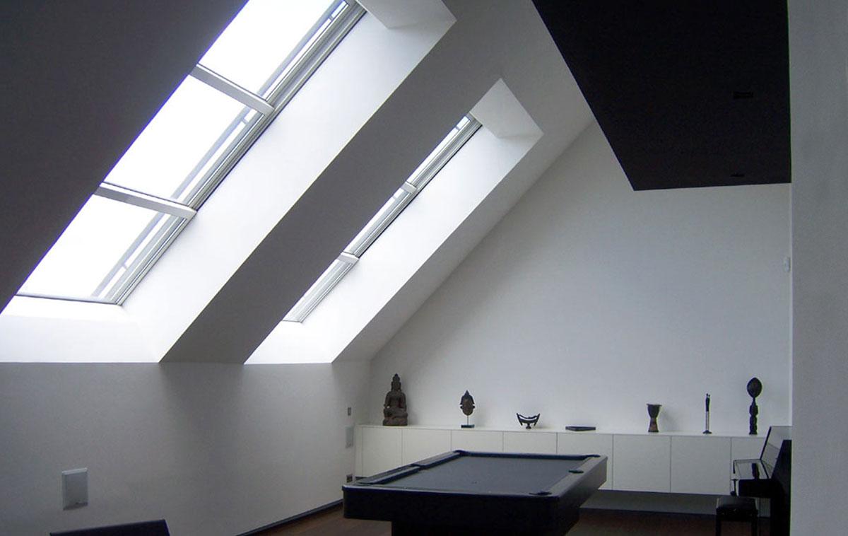 Innenansicht von zwei Dachschiebefenstern DS mit drei Fensterflügeln die ineinadner nach oben verschoben werden